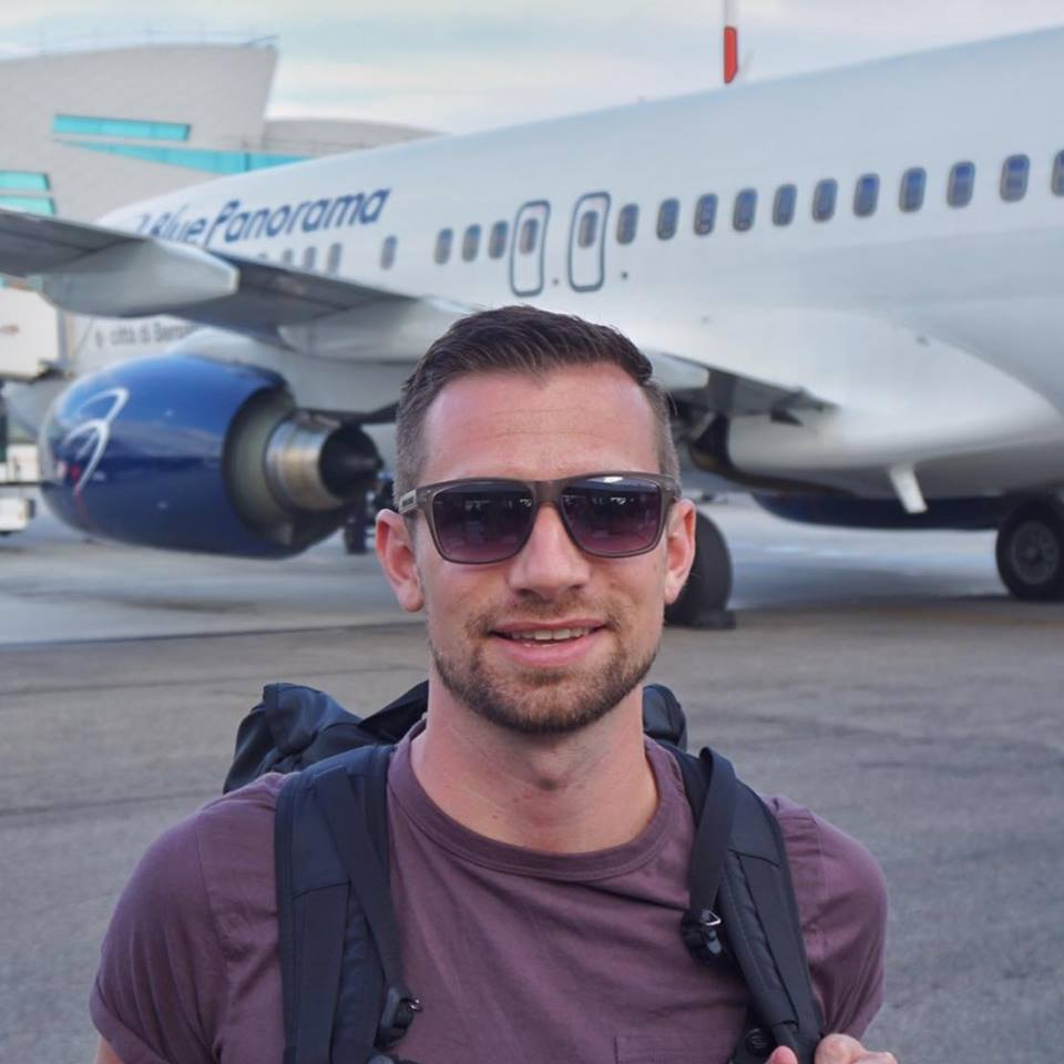Benjamin J Travel Rome FCO Tarmac Blu Express