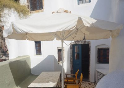 Santorini travel airbnb