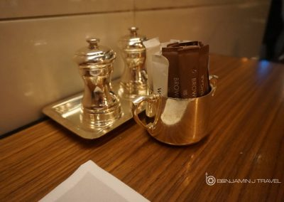 Lounge Review: The Wing Hong Kong | Cathay Pacific First Class Lounge Blog Airport Review